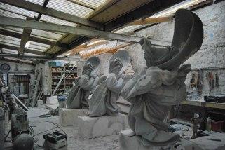 sculpture en cours aux ateliers Trucmuches