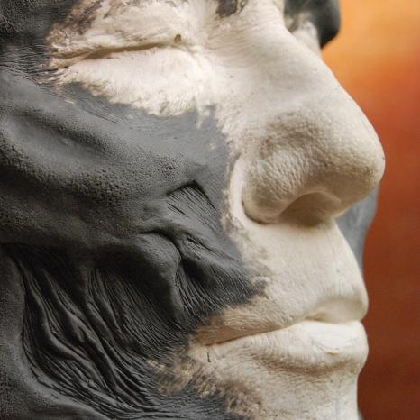 modelade en plastiline pour réalisation de prothèses géalatine pour une des créatures du film